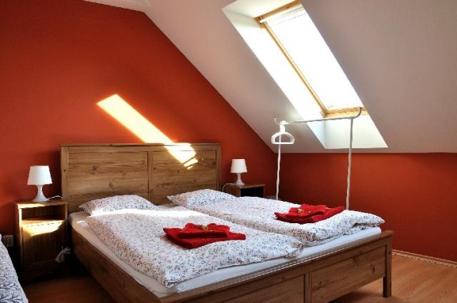 Jednolůžkový pokoj (manželská postel)