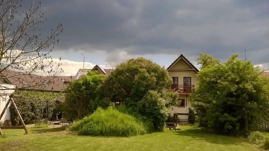 Pohled na penzion ze zahrady